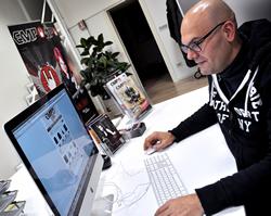 Alberto_desk